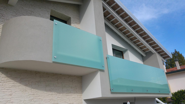 Parapetti scale in vetro padova venezia vetreria ve ri ma - Parapetti in vetro per scale ...